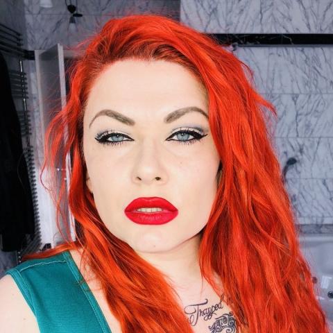 Mistress Nora Marinelli