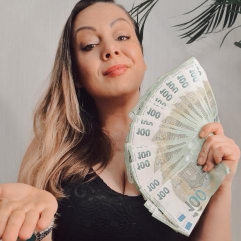 MoneyPrincess-Isabella
